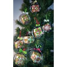 """Набор шаров """"Рождественские 1-8"""" - Алмазная вышивка, диаметр 8см (полная/квадратные)"""